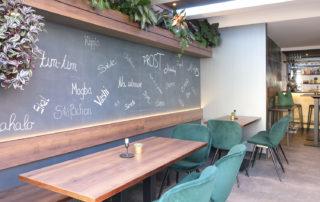 Cafe-BuonaVista-Erding-Samtsessel